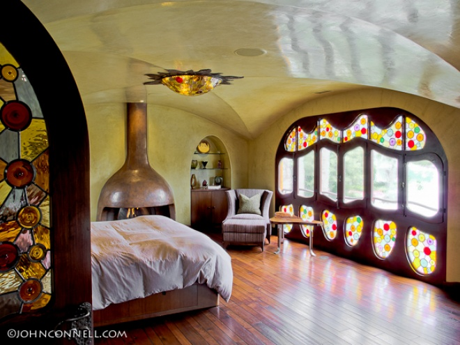 Master bedroom that shows the exclusive designs and level of craftmanship.